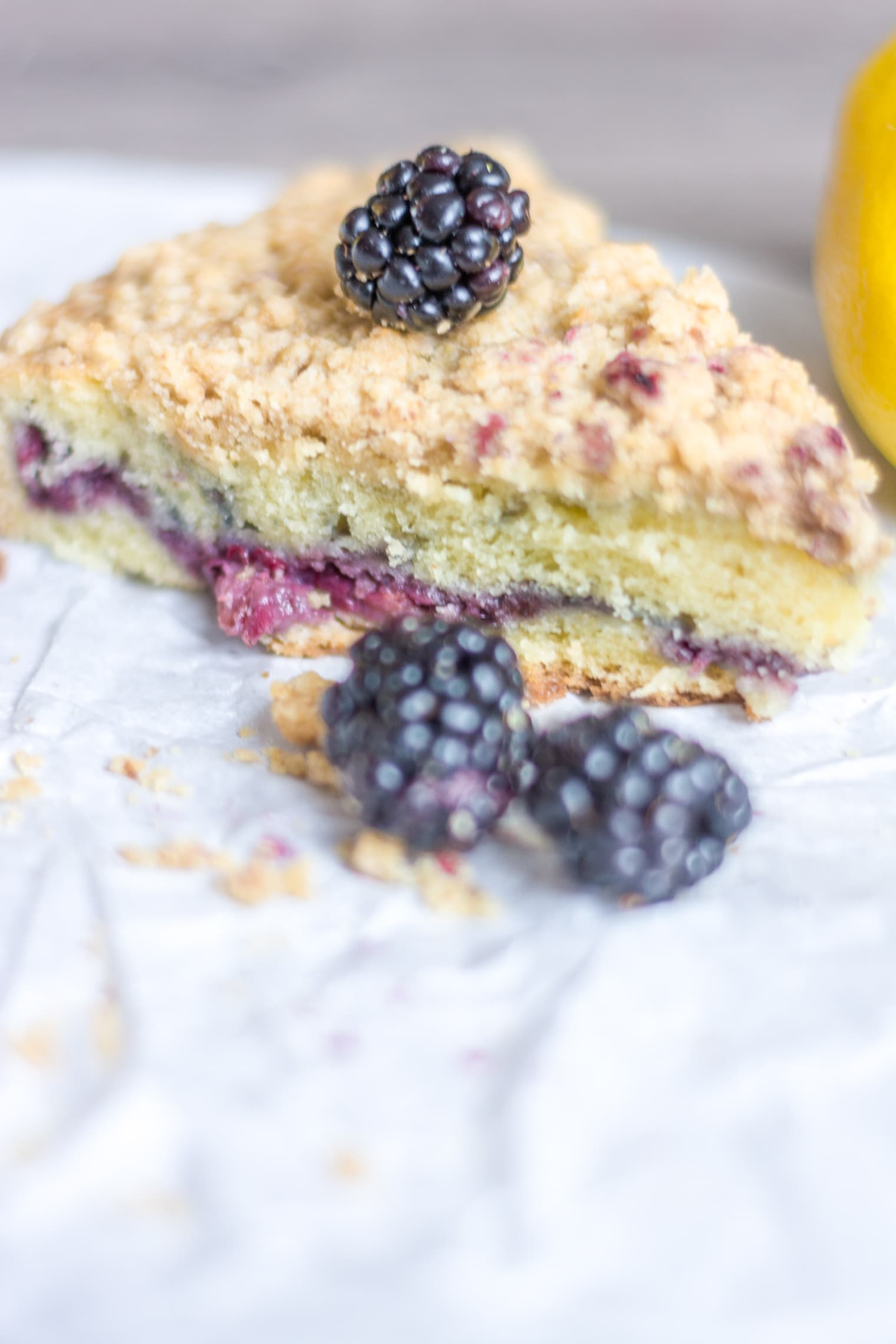 lemon crumb cake recipe // blackberry lemon cake // blackberry cake filling