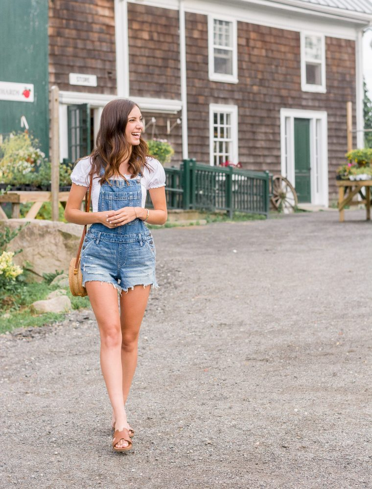 How to Wear Overalls: An Easy and Current Style Guide