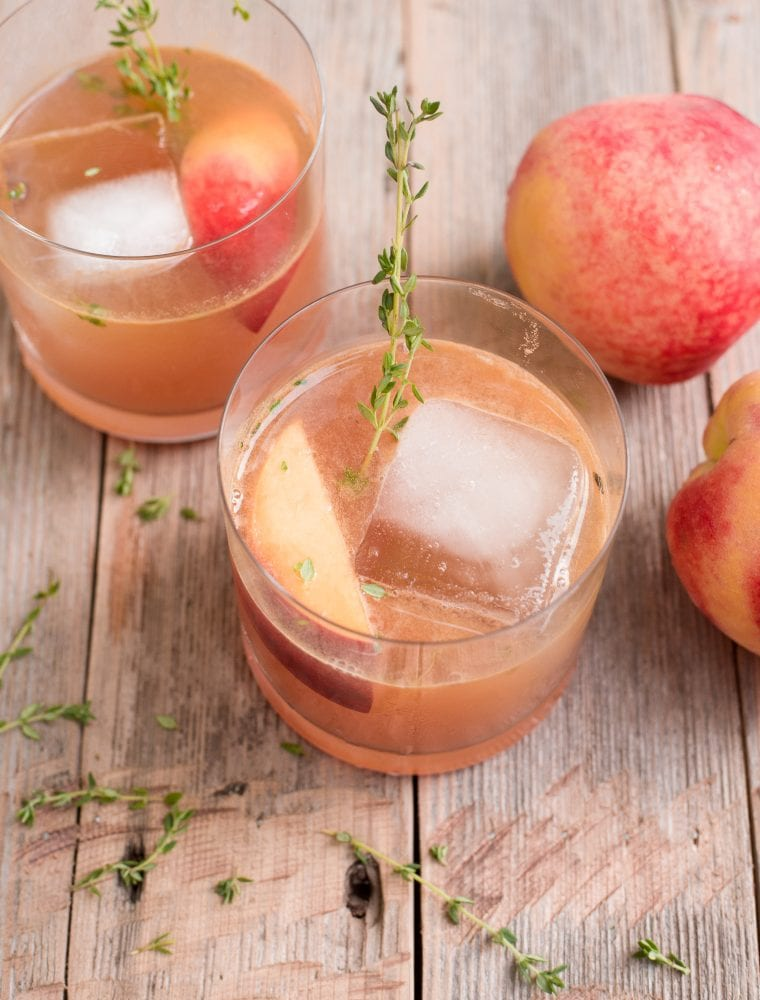 Peach Bourbon Smash: A Peach Cocktail