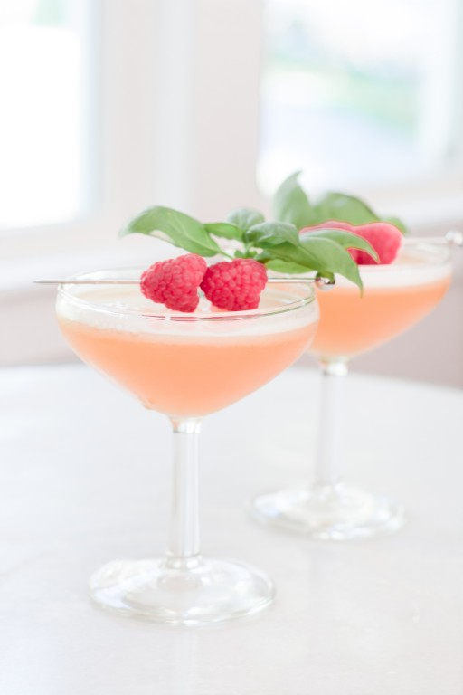 french kiss martini, french martini garnish, how to make a french martini frothy