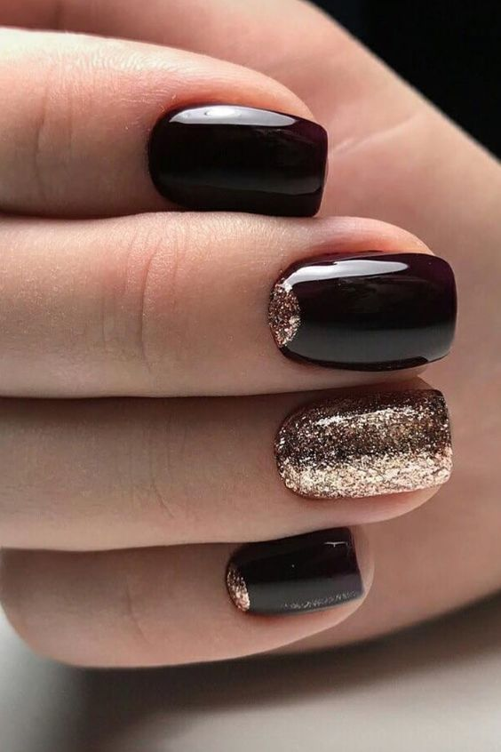 19 New Year's Eve Nail Colors + Inspiration