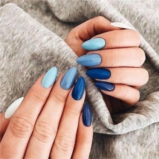 natural looking acrylic nails