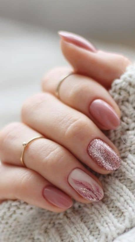 how to do dip nails; pros and cons of dip nails, dip nails vs gel, dip nails vs acrylic
