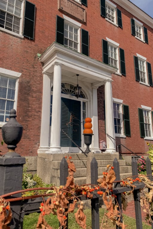 things to do in salem ma: chestnut street